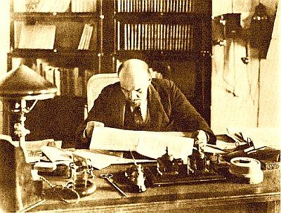 """Foto von Lenin dem Autor von """"Der Imperialismus als höchstes Stadium des Kapitalismus"""""""