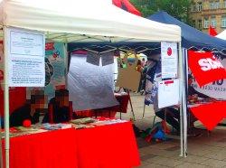 Der Stand der DKP Nürnberg am Strassenfest gegen Rassismus und Diskriminierung