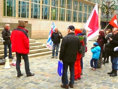 Bild: Rede der VVN zum Jahrestag Bayerische Verfassung vor dem Heimatministerium