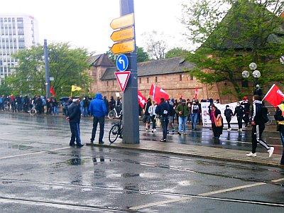 Nürnberg am 1.Mai 2020: Hunderte von Menschen auf der Straße