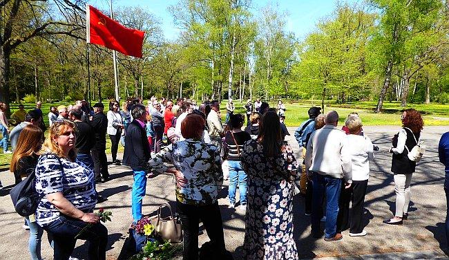 Bild: 9. Mai – День Победы – Am Südfriedhof Nürnberg