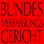 Banner: Das Bundesverfassungsgericht hat heute den Versuch, die Existenz der Deutschen Kommunistischen Partei (DKP) mit bürokratischen Mitteln zu gefährden und ihr die Kandidatur bei den Bundestagswahlen zu verbieten, zurückgewiesen.